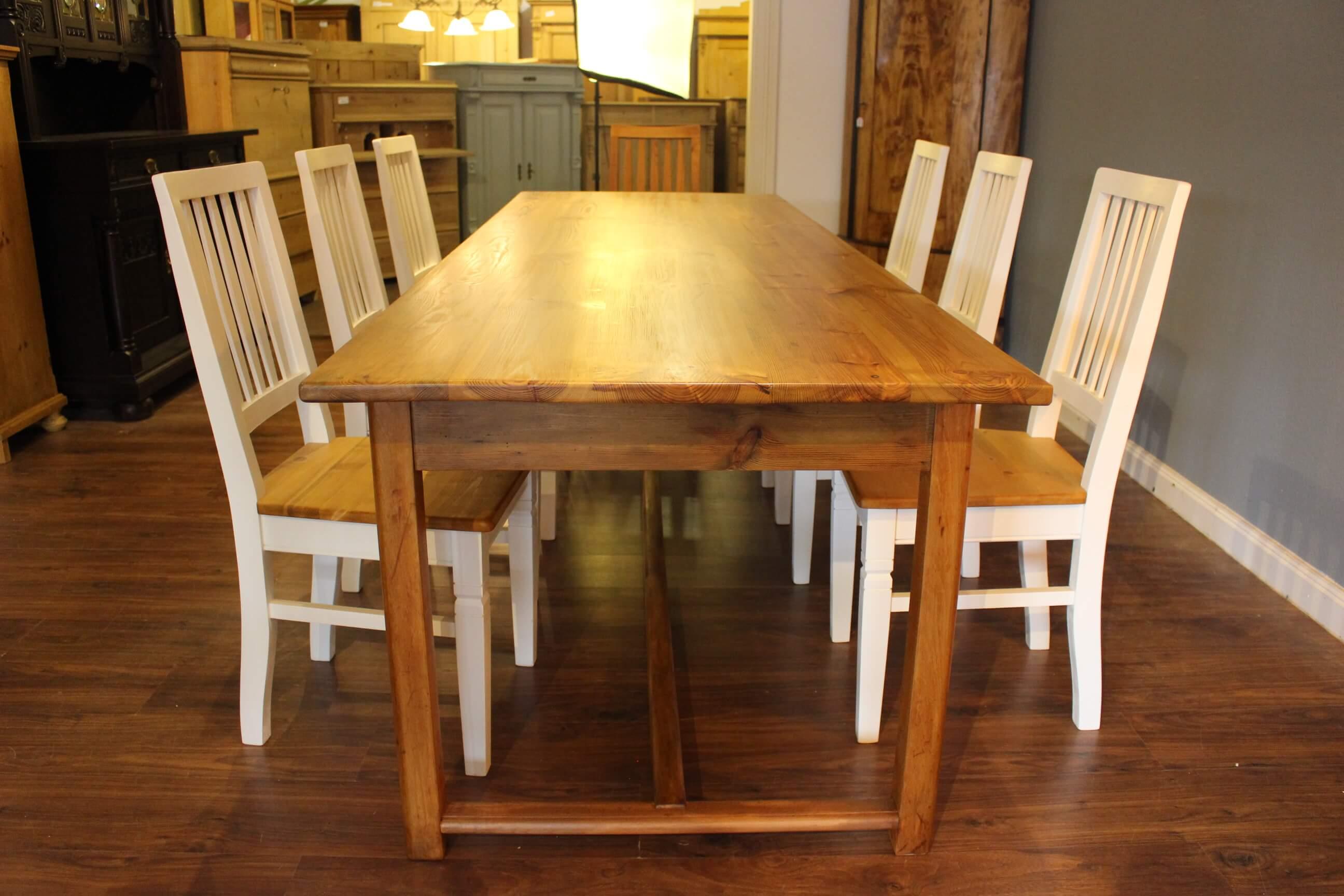 Großer Esstisch für bis zu 10 Personen (Art.-Nr. 0106)