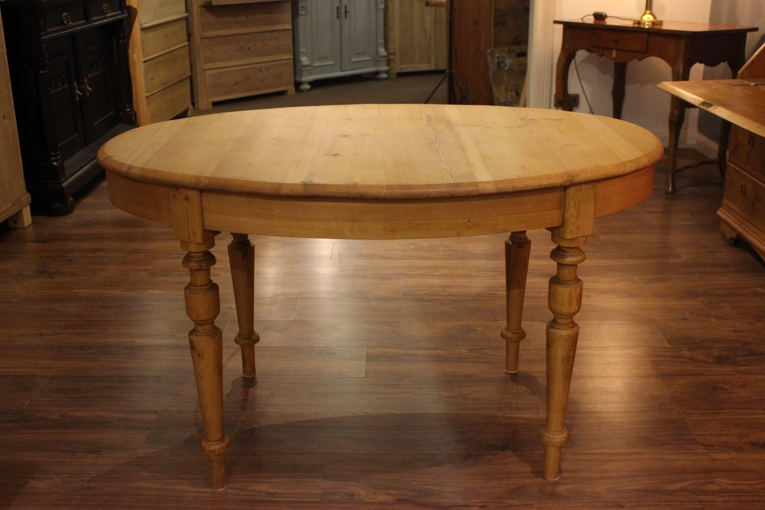 Alter Tisch oval Kiefer Gründerzeit (Art.-Nr. 0139)