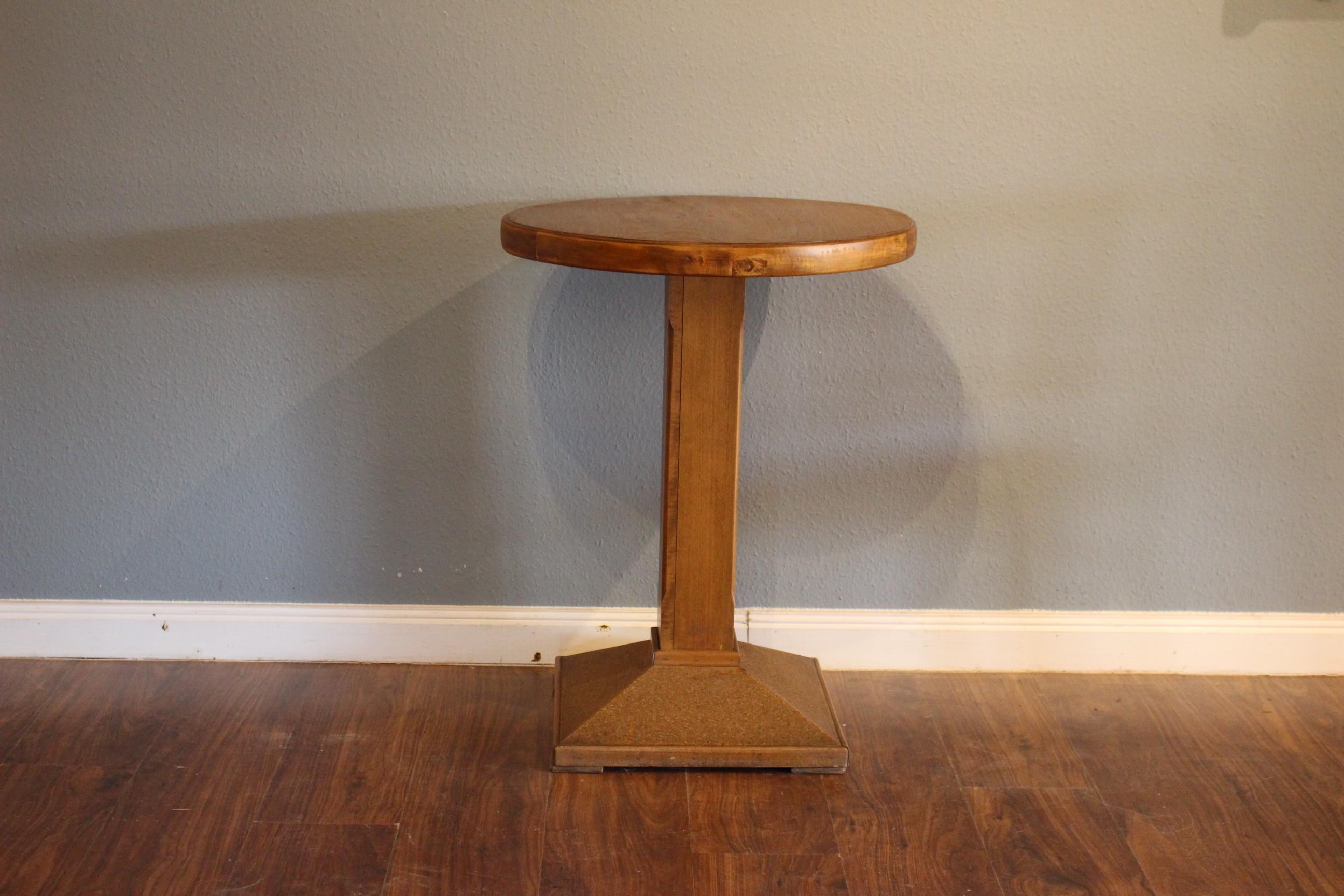 Runder Tisch 1950er Jahre (Art.-Nr. 03176)