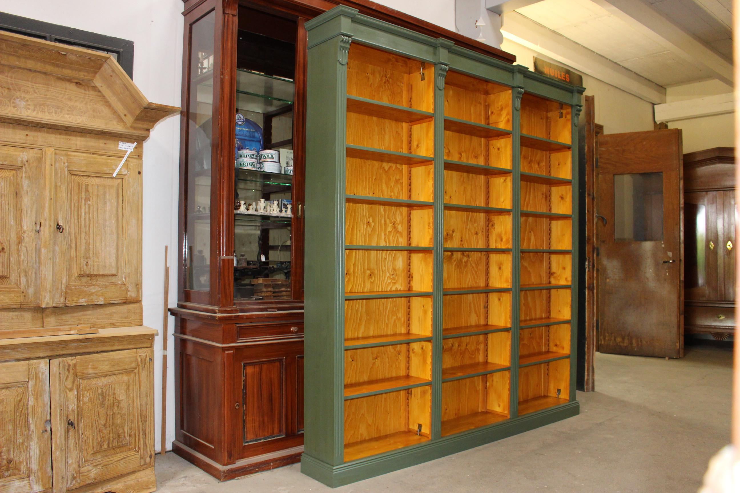 Diverse Möbel von uns im Kundenauftrag angefertigt (Art.-Nr.: 03119)