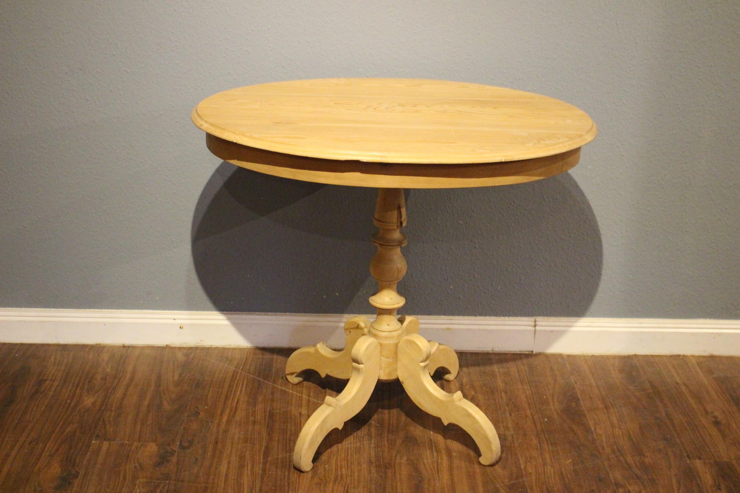Schwedischer Säulen-Tisch, Beistelltisch, oval (Art.-Nr.: 03534)