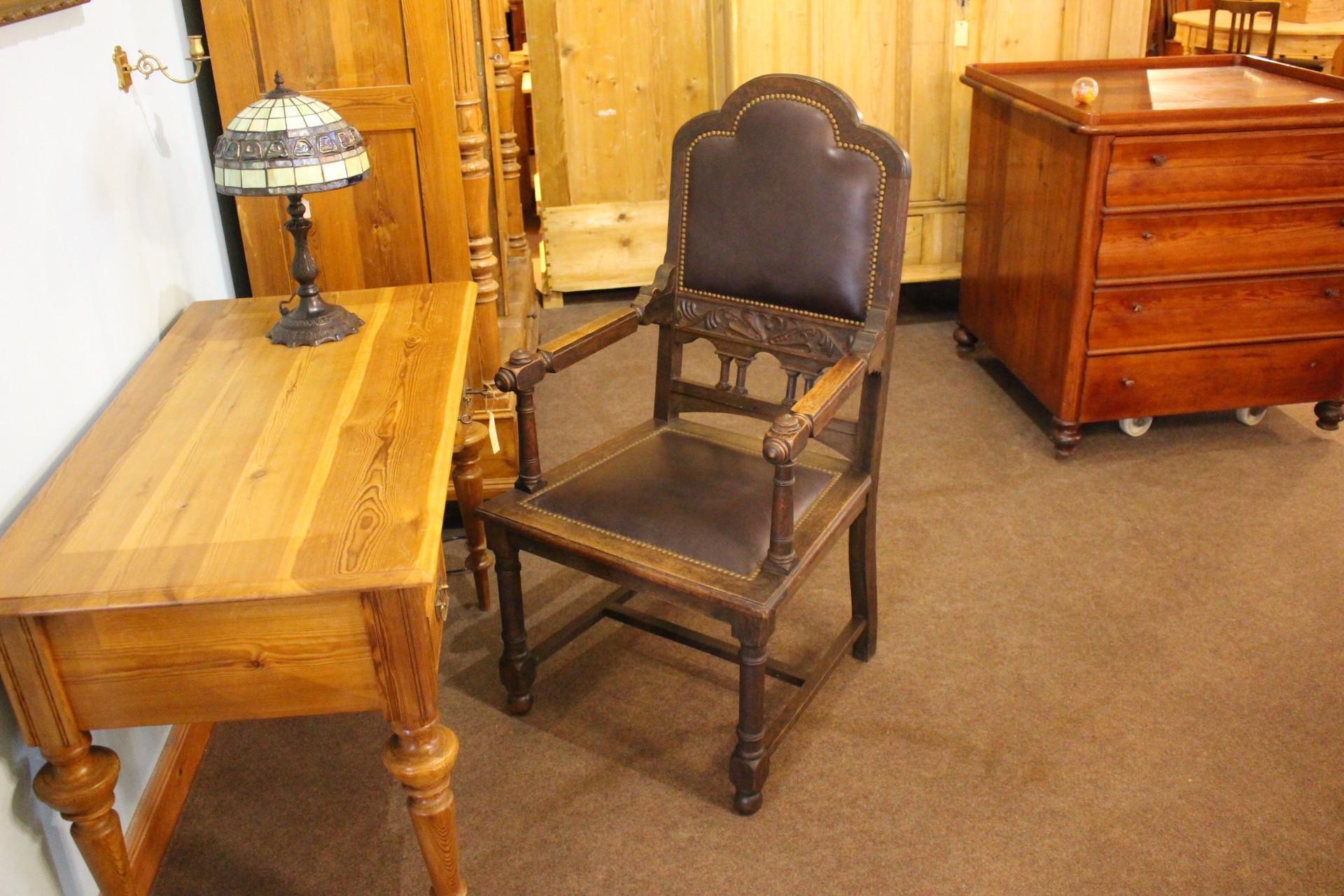 Antiker Armlehnenstuhl, Schreibtischstuhl (Art.-Nr.: 03493)