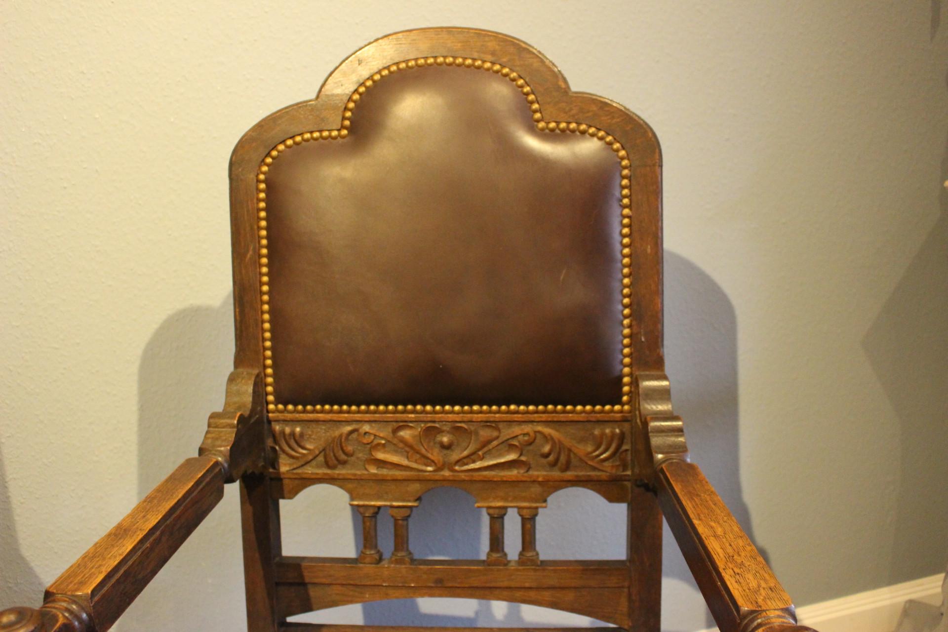 Antiker Armlehnenstuhl, Schreibtischstuhl (Art.-Nr. 03493)