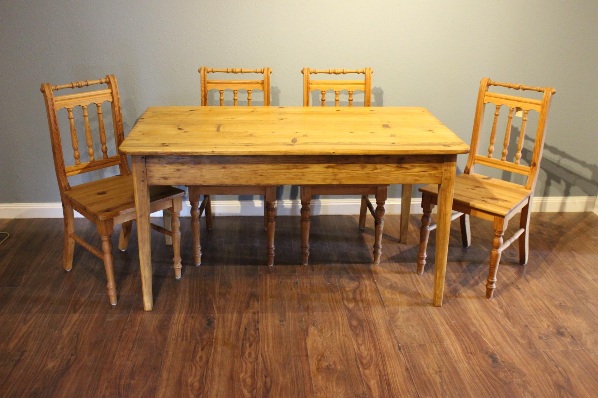 antiker Esstisch, Küchentisch, Biedermeierstil