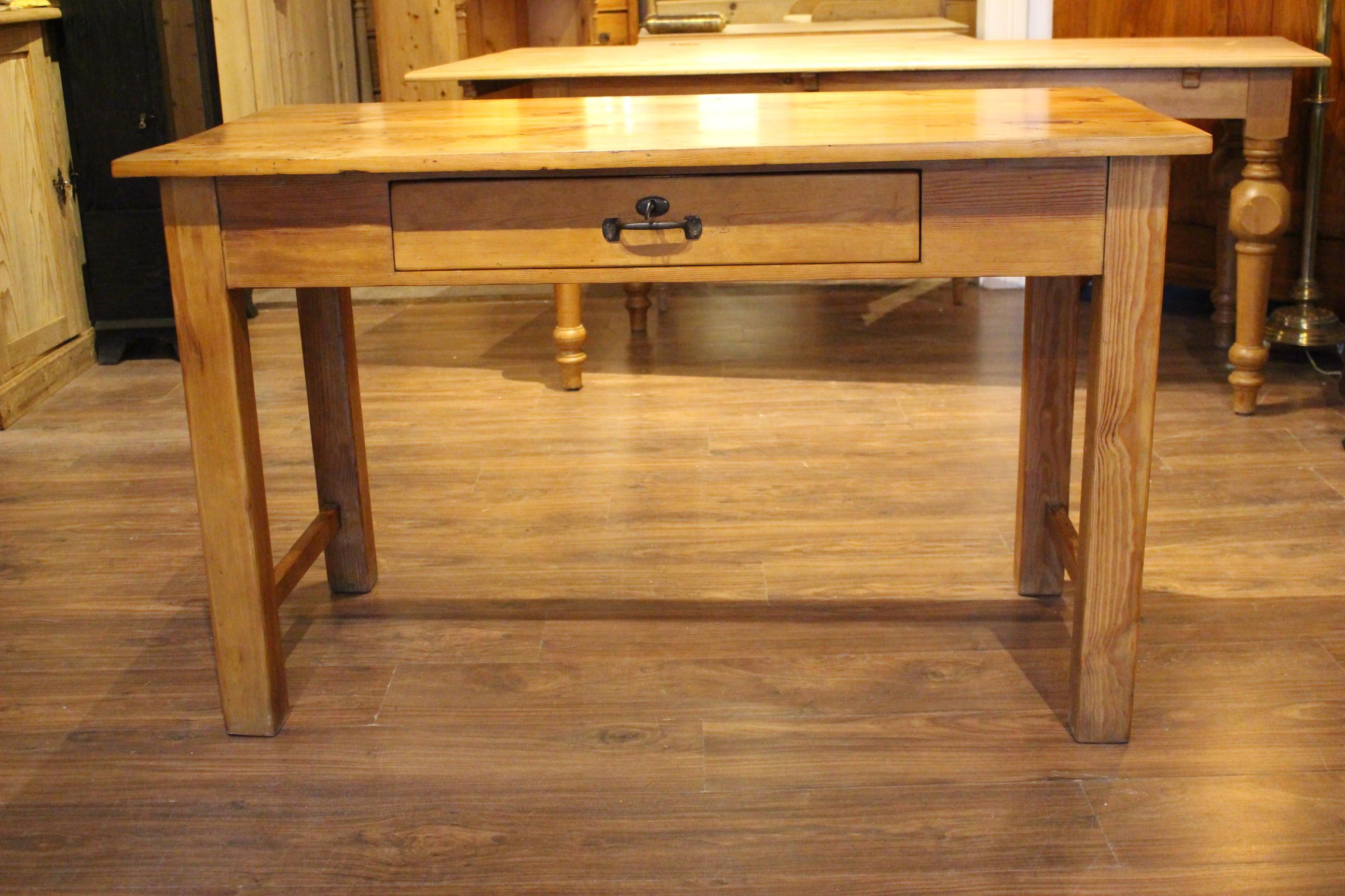 Arbeitstisch Werktisch Ladentisch Bauhausstil (Art.-Nr.: 03623)
