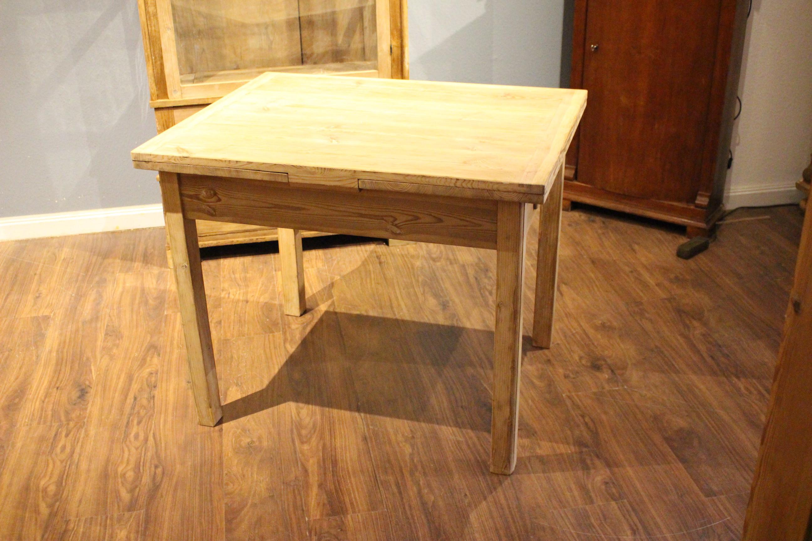 Esstisch, Küchentisch ausziehbar Bauhaus  (Art.-Nr.: 03875)