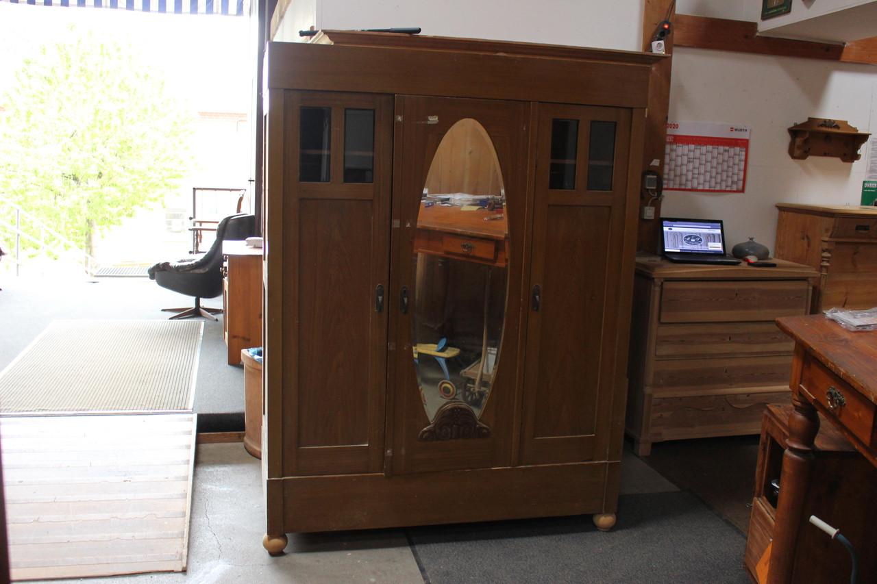 Kleiderschrank mit ovalem Spiegel antik Kiefer (Art.-Nr.: 03248)