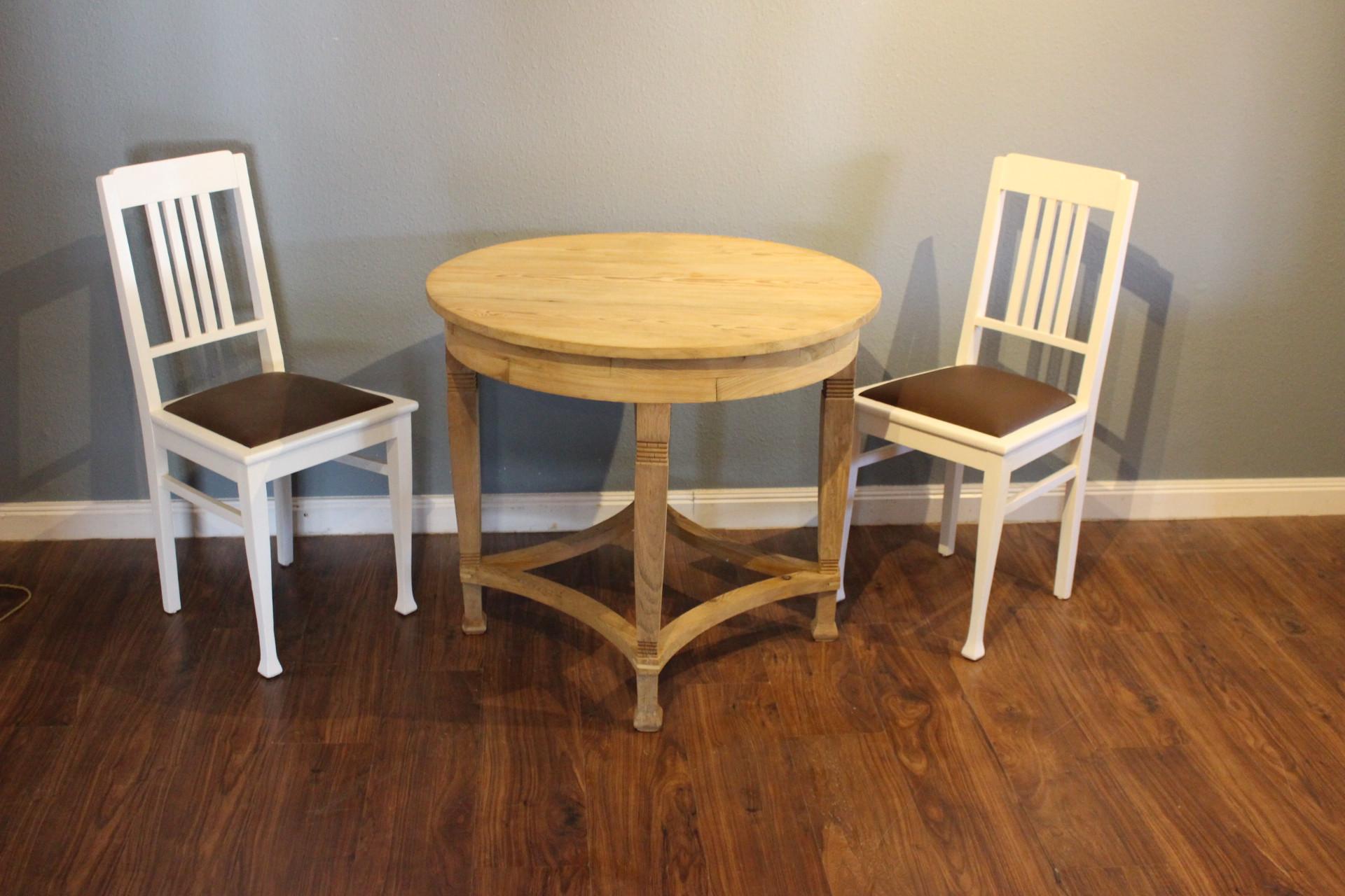 Kleiner Runder Tisch Spieltisch