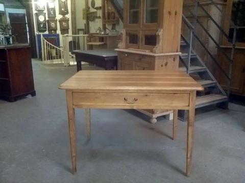 Weichholz Tisch, große Schublade, restauriert (Art.-Nr.: 02014)