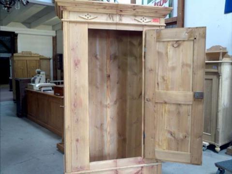 Alter Bauernschrank in Kiefer antik,eine Tür (Art.-Nr. 02210)