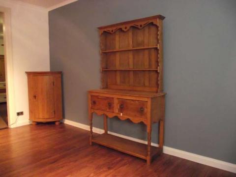 Tellerboard, engl. Dresser, Anrichte (Art.-Nr.: 02360)