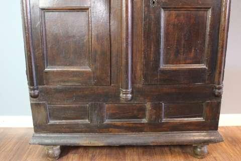 Barockschrank Eiche aus der Zeit um 1740 (Art.-Nr. 02605)