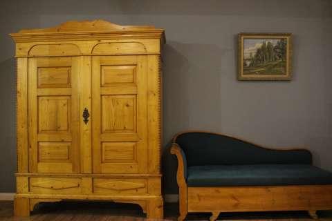 Alter Dielenschrank Kleiderschrank Biedermeier (Art.-Nr. 02925)