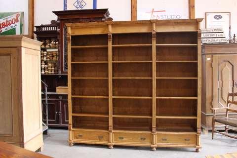 Großes Bücherregal (Art.-Nr.: 02927)