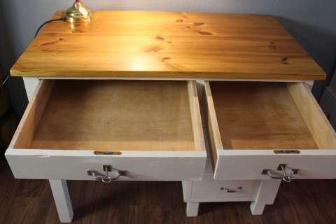 Schreibtisch in Altweiß gefasst (Art.-Nr. 03015)