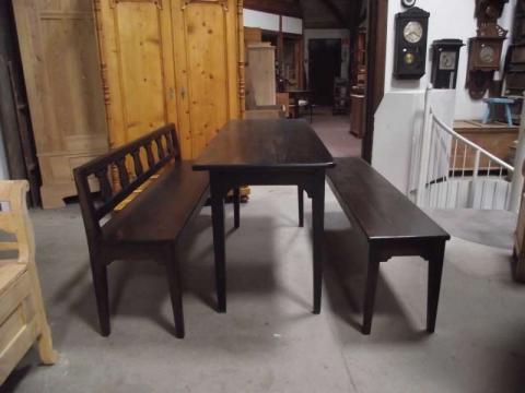 Tisch und zwei Bänke im Kundenauftrag angefertigt Pitche Pine (Art.-Nr.: 0697)
