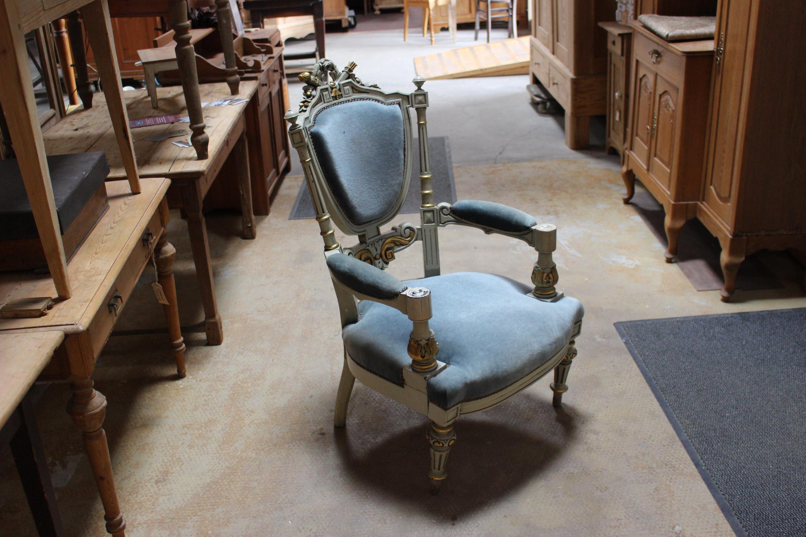 Sitzmöbel Bänke und Stühle