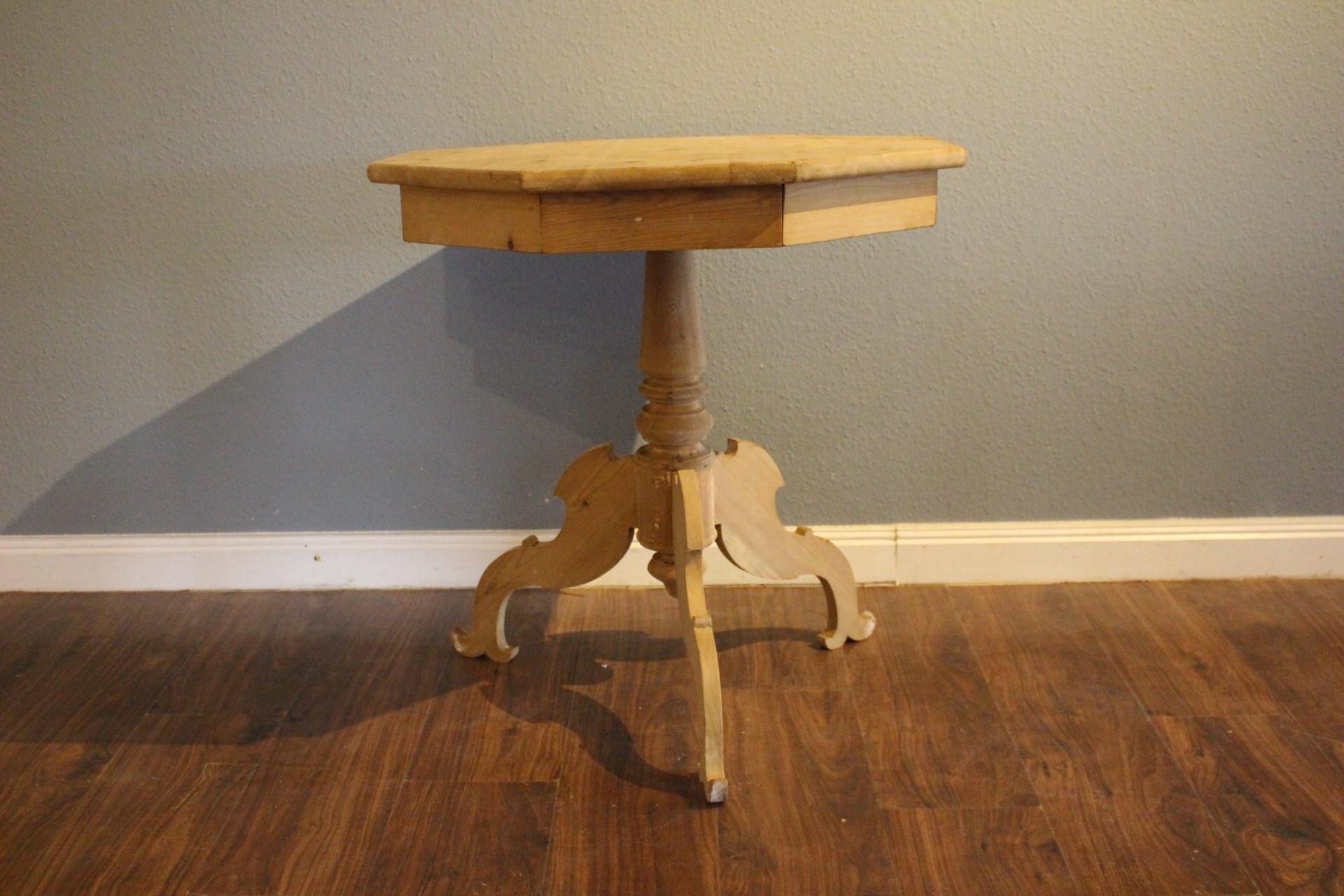 SchwedischerSäulen-Tisch, Beistelltisch (Art.-Nr.: 03453)