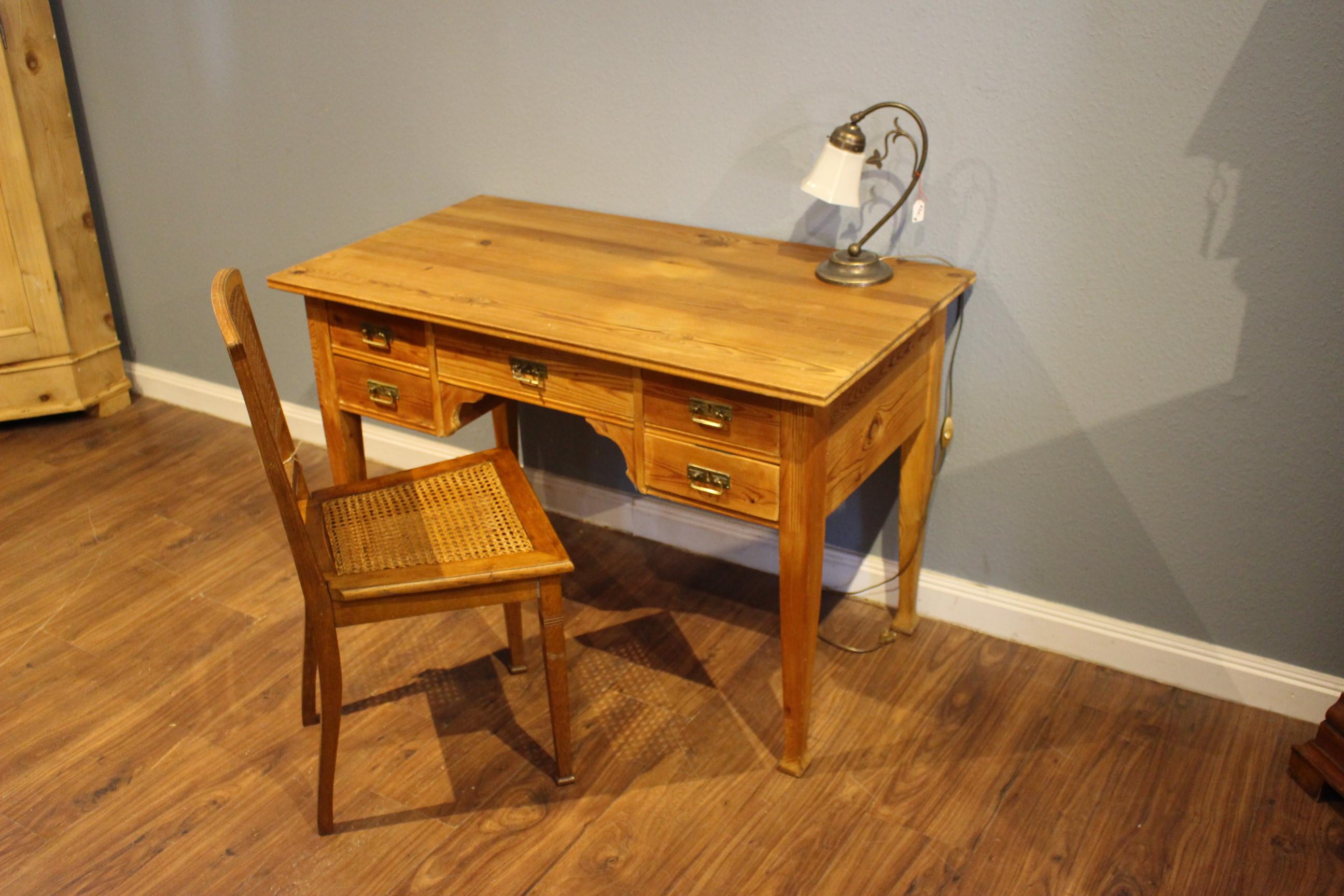 Schwedischer Jugendstil Schreibtisch (Art.-Nr.: 03791)