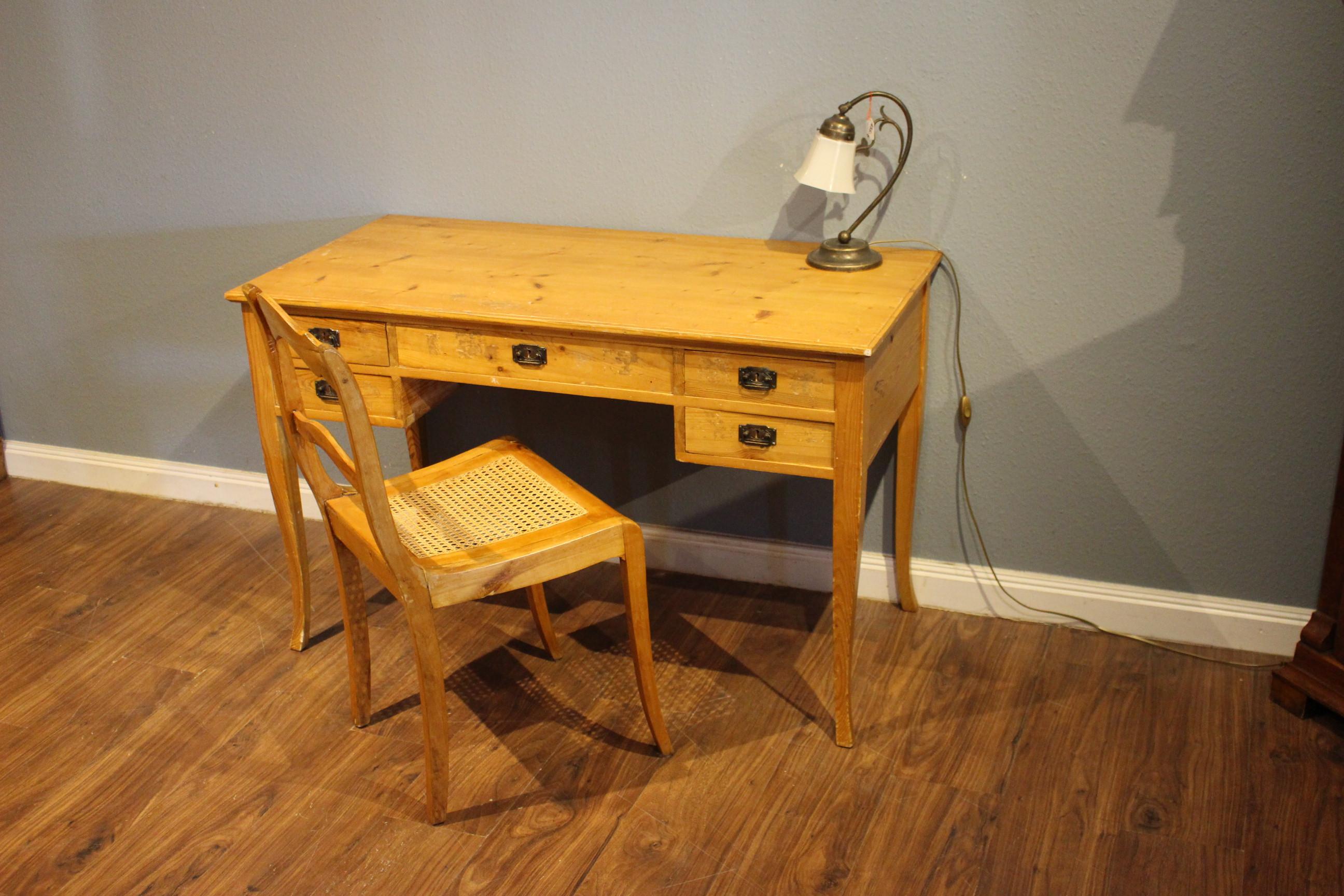 Schwedischer Jugendstil Schreibtisch (Art.-Nr.: 03860)