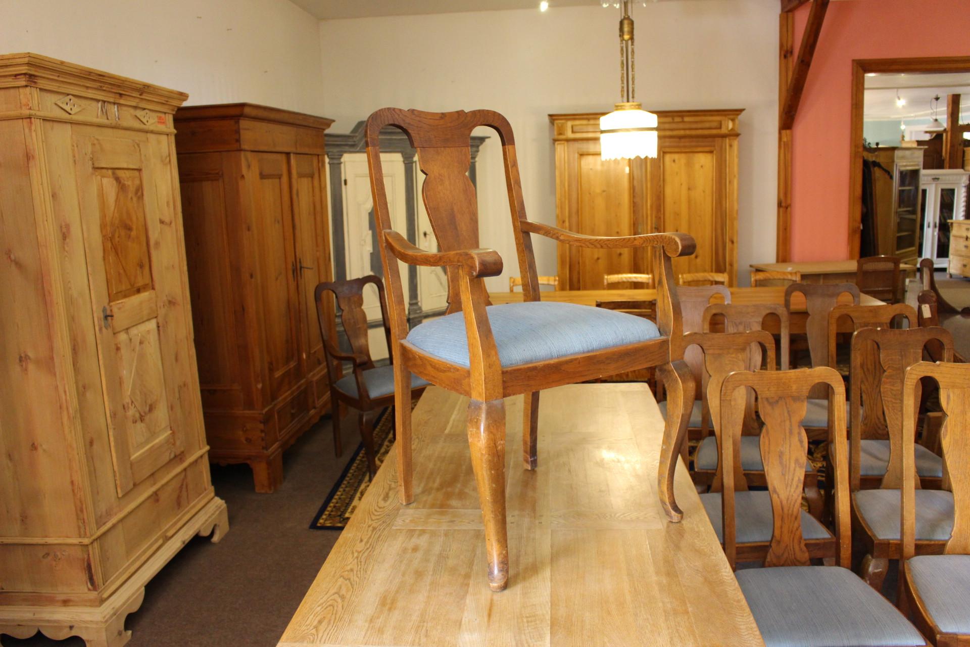 drei Armlehnstühle Eiche mit Sitzpolster (Art.-Nr.: 03362)