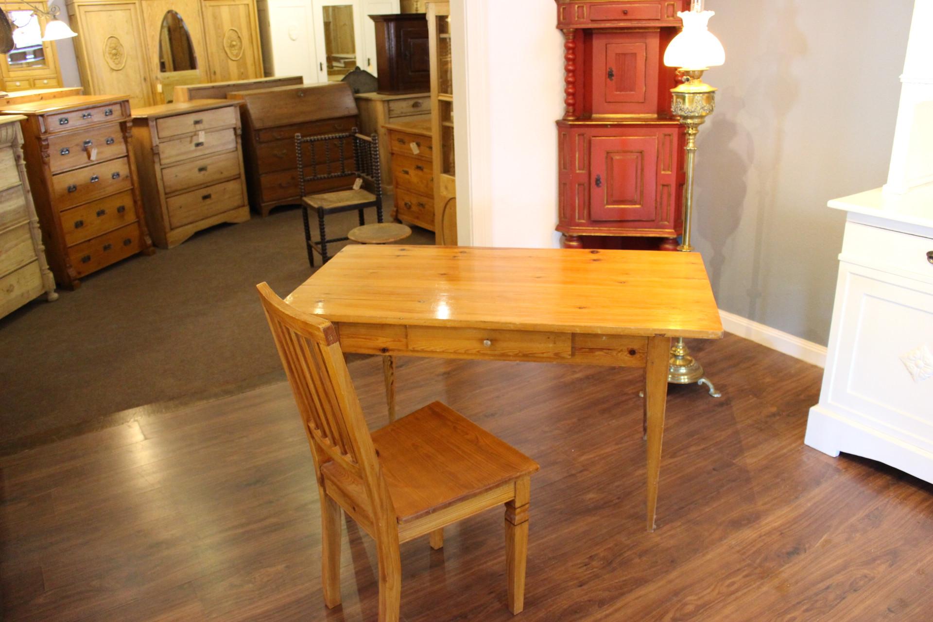 Tisch Biedermeier, Schreibtisch Kiefe rantik (Art.-Nr.: 03292)