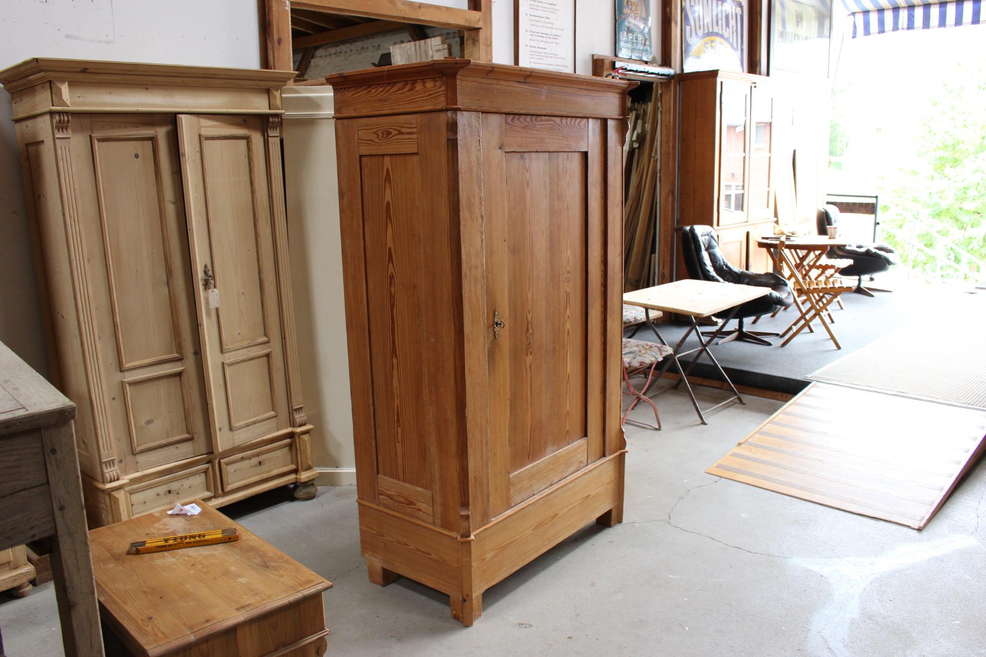 Wäscheschrank, Kiefer antik (Art.-Nr. 03345)